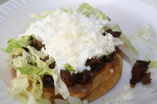 Sopes estilo Tacos el Gavilán (Foto de Agustín Durán/El Pasajero).