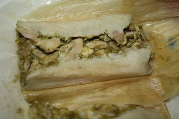 Los tamales de chile verde son los más picositos, pero también los más solicitados. (Foto de Agustín Durán/El Pasajero).