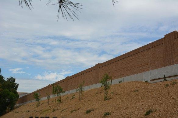 Nuevo muro contra el ruido en la ciudad de Burbank.