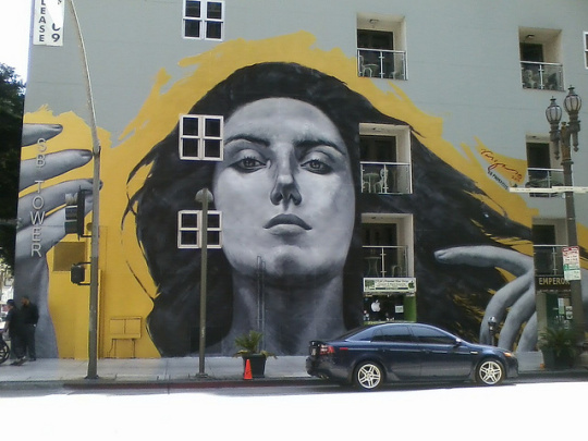 Our Lady of DTLA de Robert Vargas. Imagen de Atomic HotLinks, via Flickr Creative Commons.