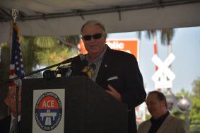 El integrante de la Junta de Metro y supervisor del condado de L.A, Don Knabe.