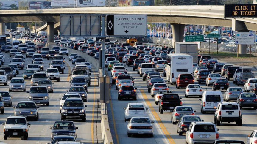 En 2016, los automovilistas rompieron el récord en el número de millas que manejaron.