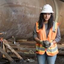 mujeres en construcción.