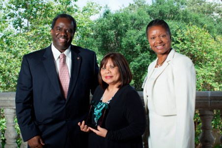 The City of Los Angeles wins the Jade Award for vanpool excellence. From left to right: Francois Verin, Melina Mariano, Monika Hall.