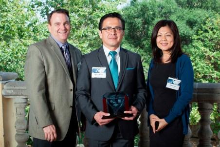 The City of Pasadena wins the 2013 Corporate Blue Diamond Award. From left to right: Mark Yamarone, Oskar Molina, Nina Chen.
