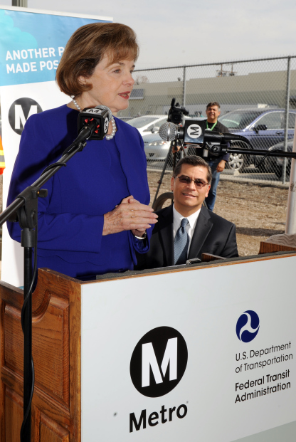 Senator Dianne Feinstein announces the New Starts grant and TIFIA loan for the Regional Connector at a February event in Little Tokyo. Photo: Metro.