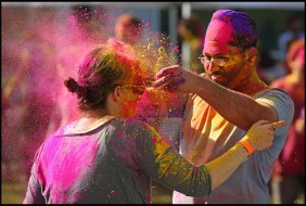 Holi in the Netherlands. Rickz/Flickr CC.
