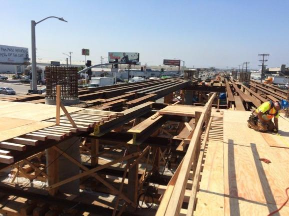 Century.Aviation – Falsework and rolling soffit