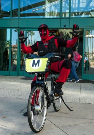 """Deadpool: """"Look ma, no hands!"""""""