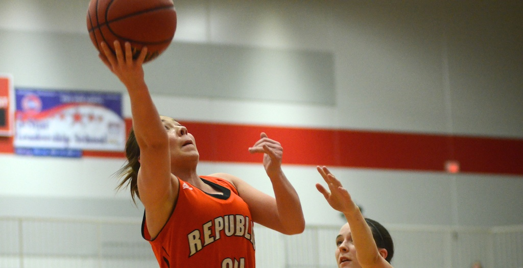 Lady Tigers Stay Atop COC With Win At Nixa