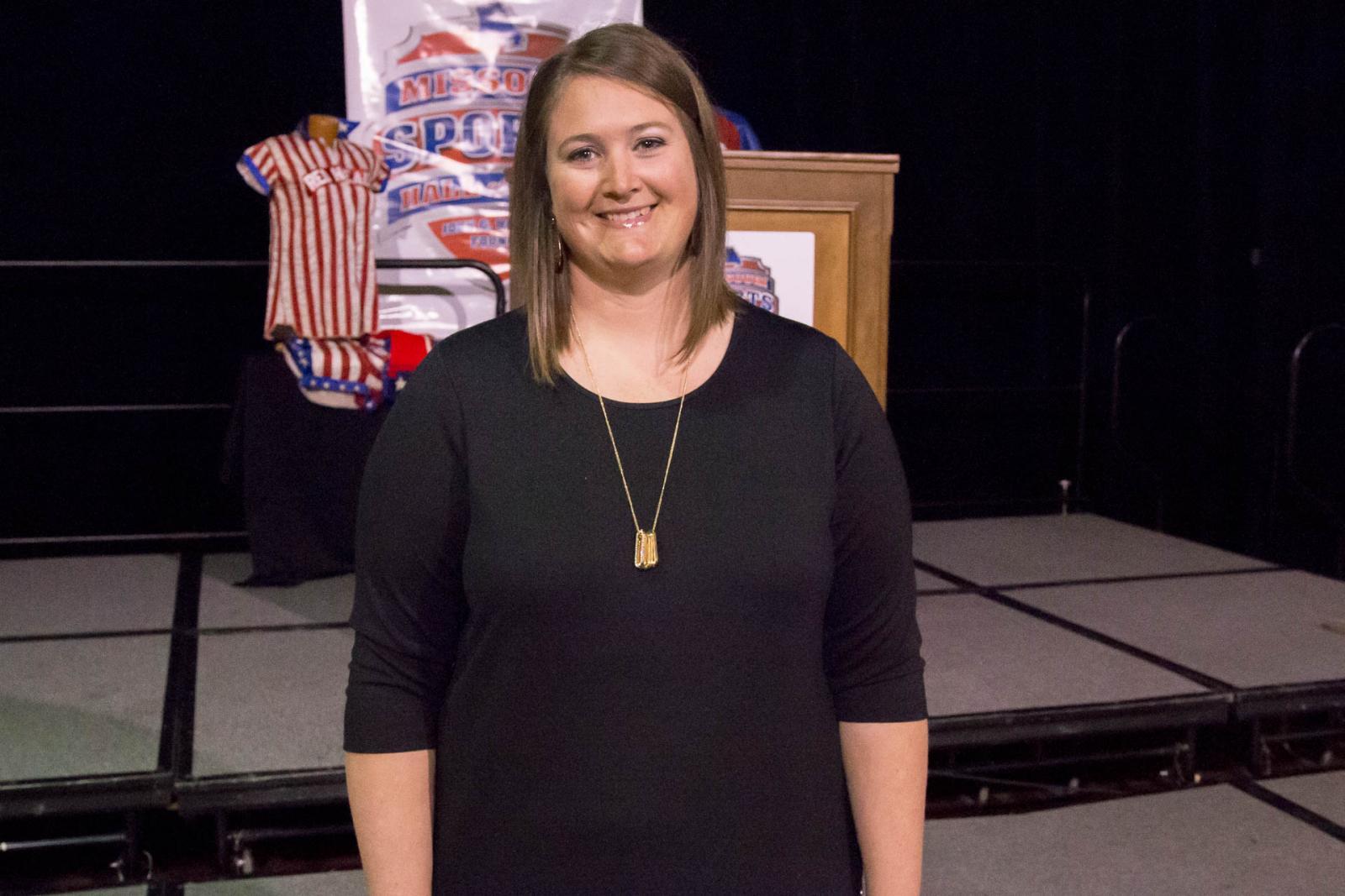 """Plotner Receives """"Wynn Award"""" From Missouri Hall"""
