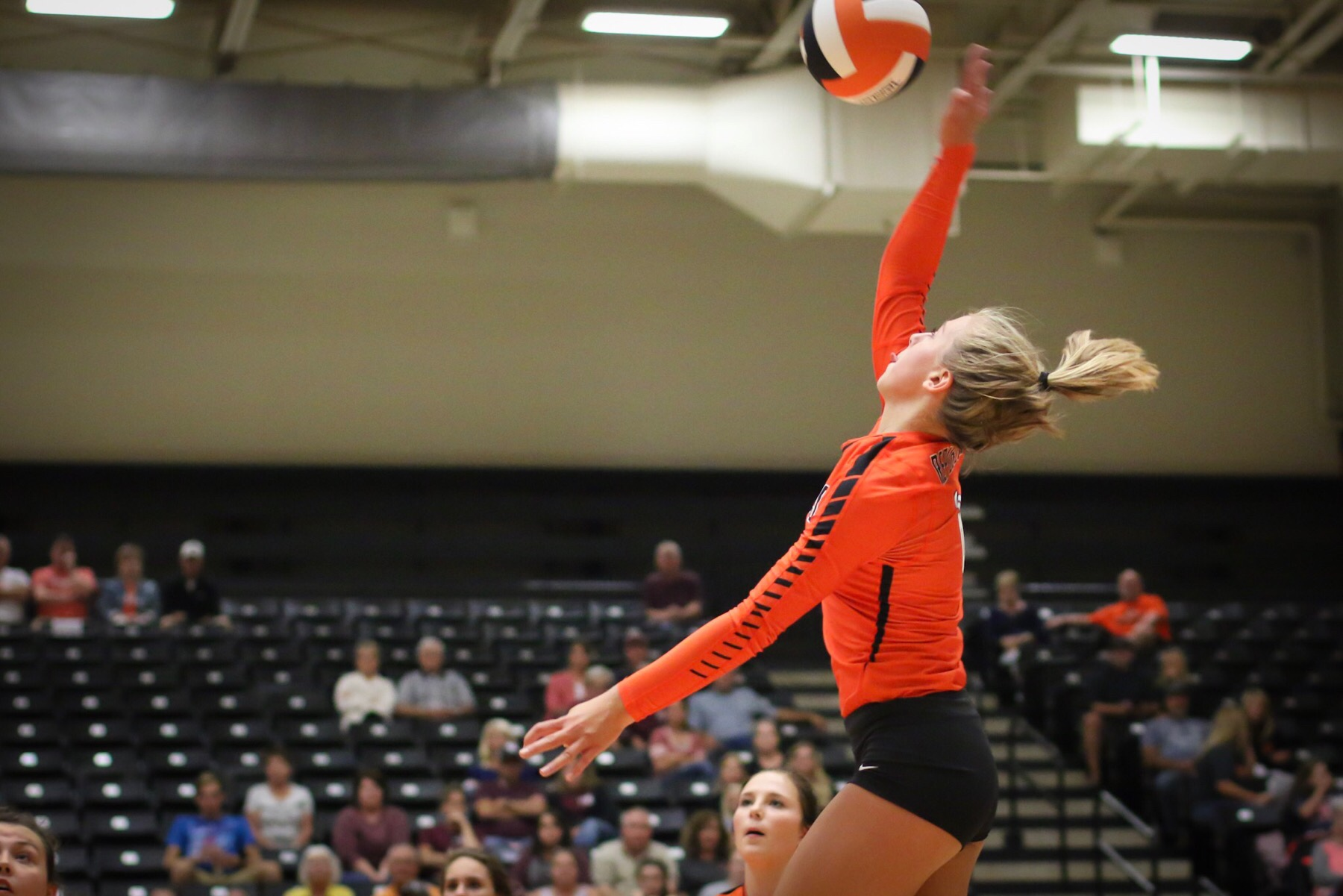 Volleyball Team Wins Second Straight