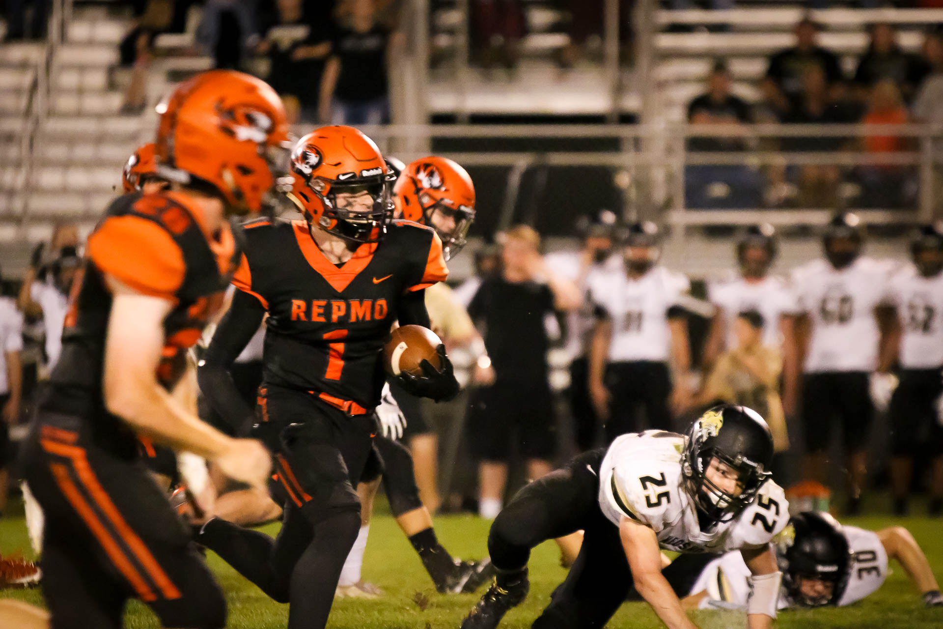 Cam-tastic! Flood Sprints 57 Yards for Homecoming Victory