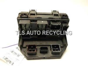 2010 Volkswagen ROUTAN fuse box  7B0937049GXRMN  Used