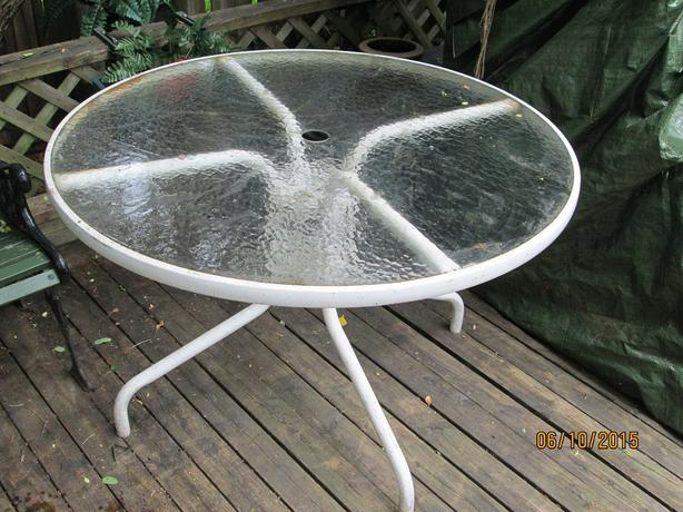 Patio Table With Glass Top White Round 42 Inches Kanata
