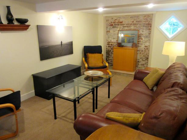 Nov 1 Furnished Fairfield Suite W Office Utils In Suite Laundry Victoria City Victoria