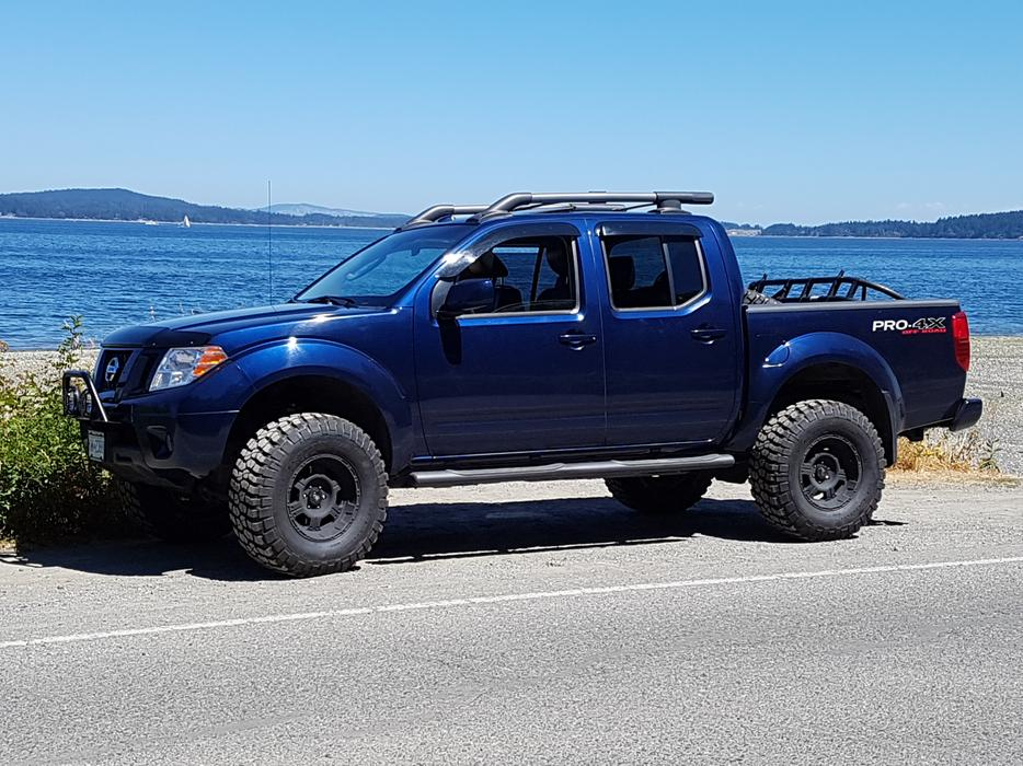 Lifted 2010 Frontier Pro 4x Low Km Pavement Princess