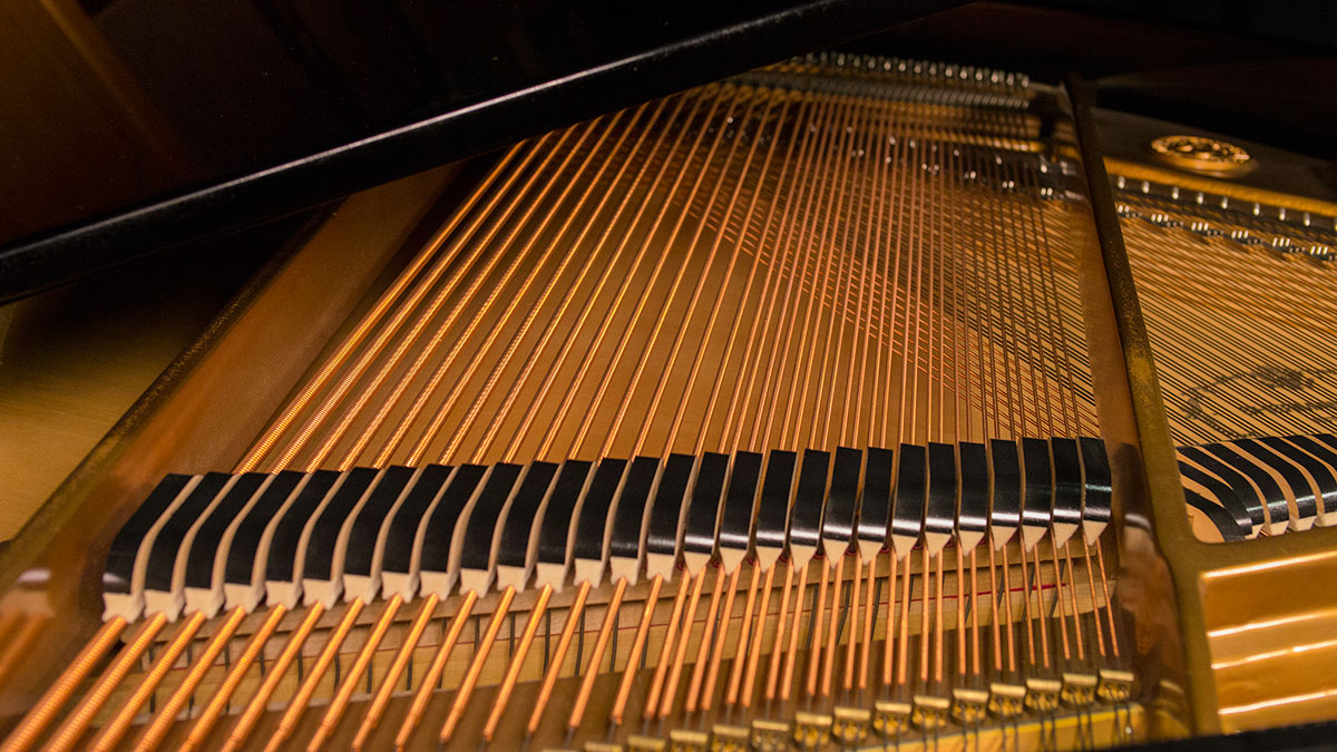 Sherman Clay Baby Grand Piano Model K35A212 For Sale