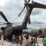 El CH-53 puede llevar desde personal, vehículos y ayuda humanitaria en caso de desastres naturales
