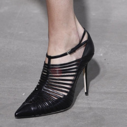 PU Pointed Toe Hollow Buckle Black Pumps