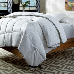 Kensington Manor 300-Thread Count Down and Gel Fiber Comforter, White
