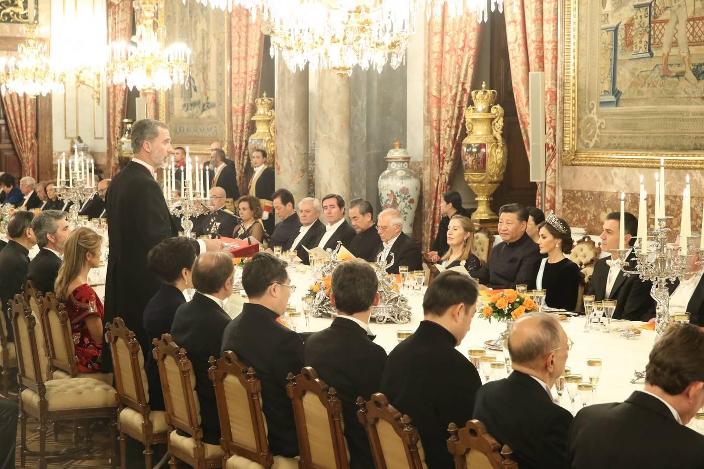 La reina Letizia usa la Tiara Rusa por primera vez