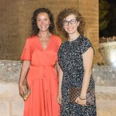 Carmen Molano, Isabel Iboleon © La Siesta Press