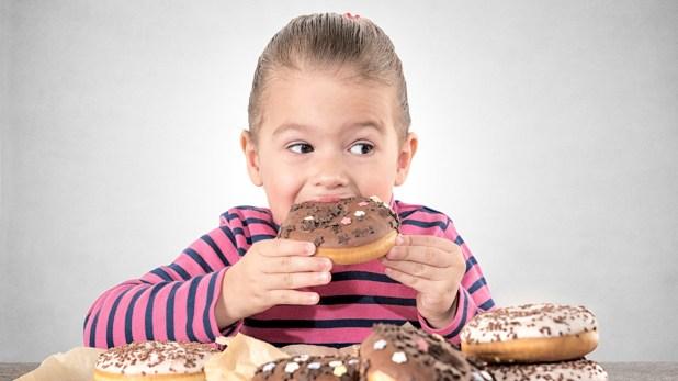 Los niños no deberían consumir café, té o chocolate o bebidas cola después de las cinco de la tarde (Shuttersotck)