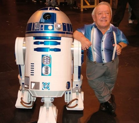 Kenny Baker, el actor británico que estaba adentro de R2D2 en Star Wars, murió a los 83 años el 13 de agosto