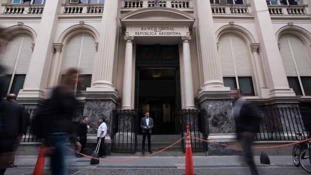El Banco Central (Adrián Escandar)