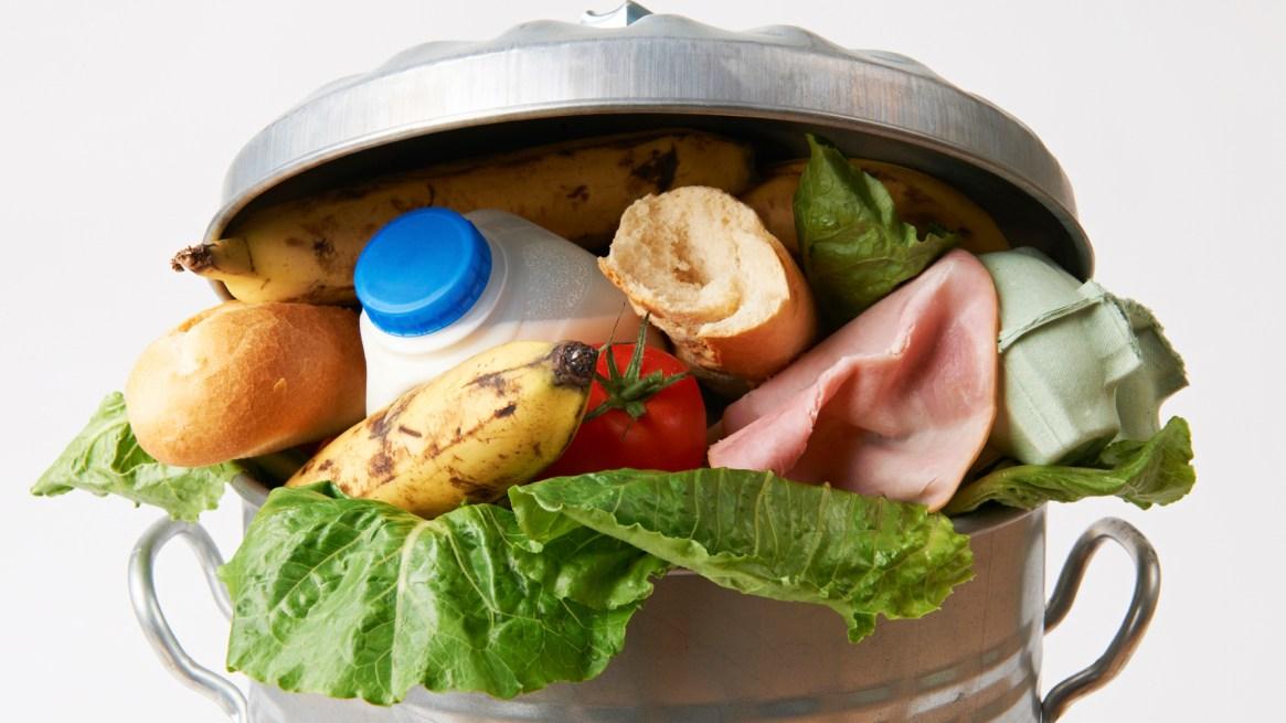 Según la FAO, en Argentina uno de cada tres platos de comida se tira