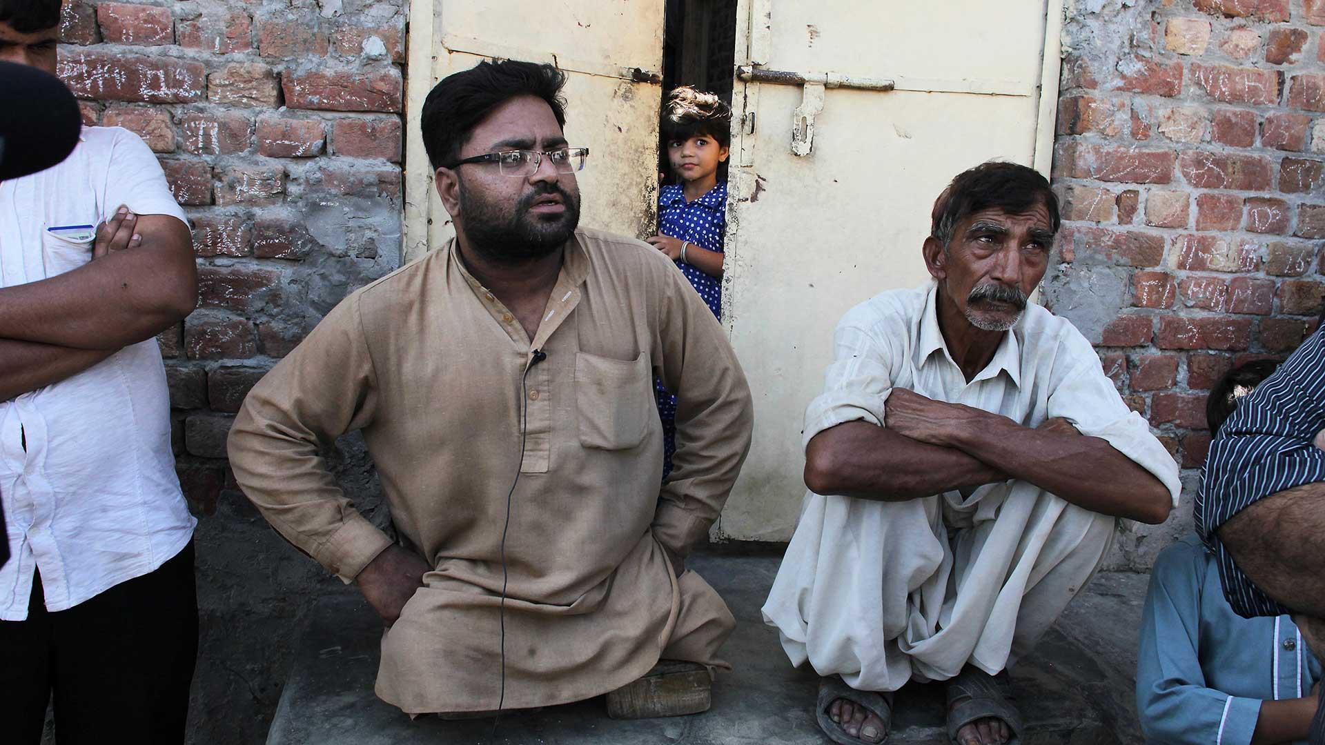 """Los vecinos de Rajhu están de acuerdo con el asesinato de """"honor"""" que realizó el joven (AP)"""