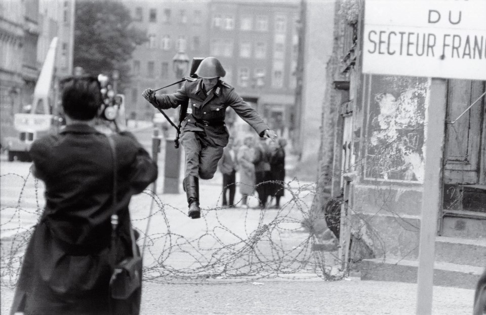 """Salto a la libertad"" (Peter Leibing, Alemania Oriental, 1961)"
