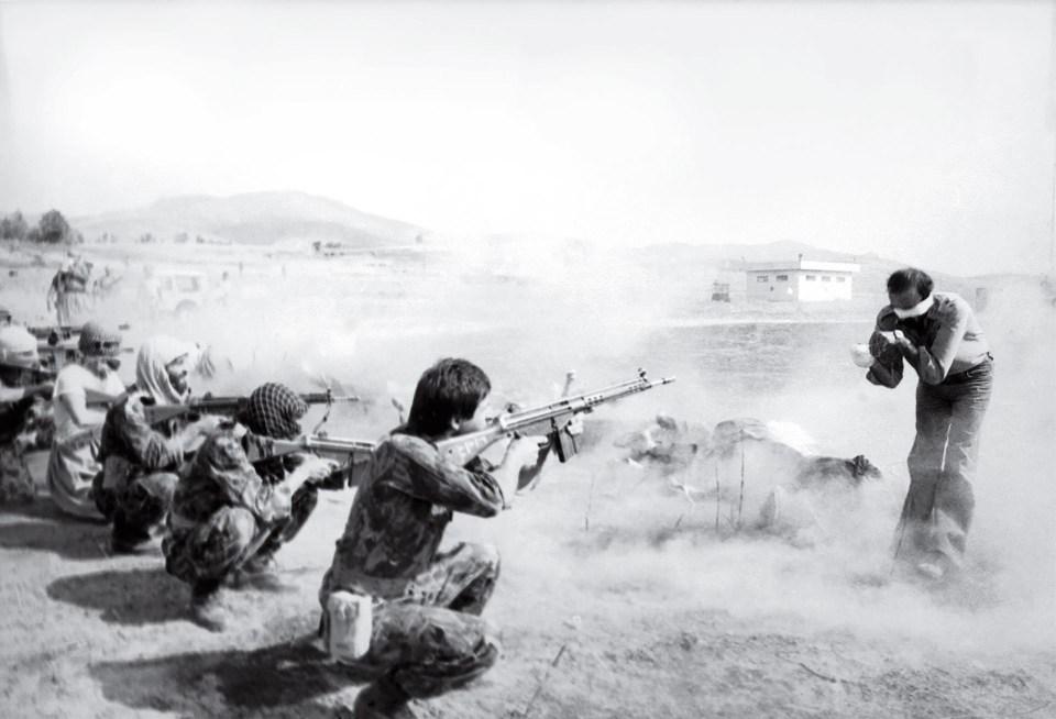 """""""Pelotón de fusilamiento en Irán"""" (Jahangir Razmi, 1979)"""