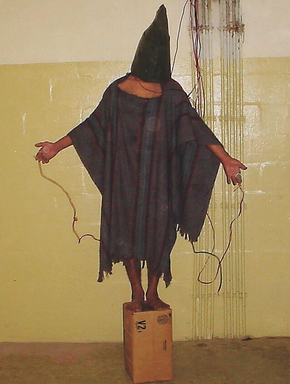 """""""El hombre encapuchado"""" (Sargento Ivan Frederick, Irak, 2003)"""