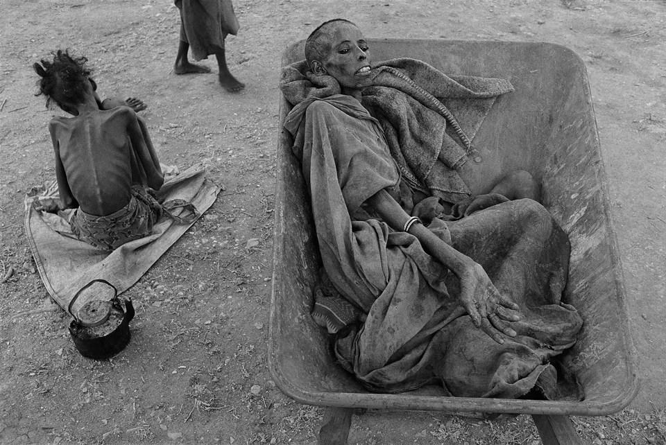 """Hambruna en Somalia"" (James Nachtwey, Somalia, 1992)"