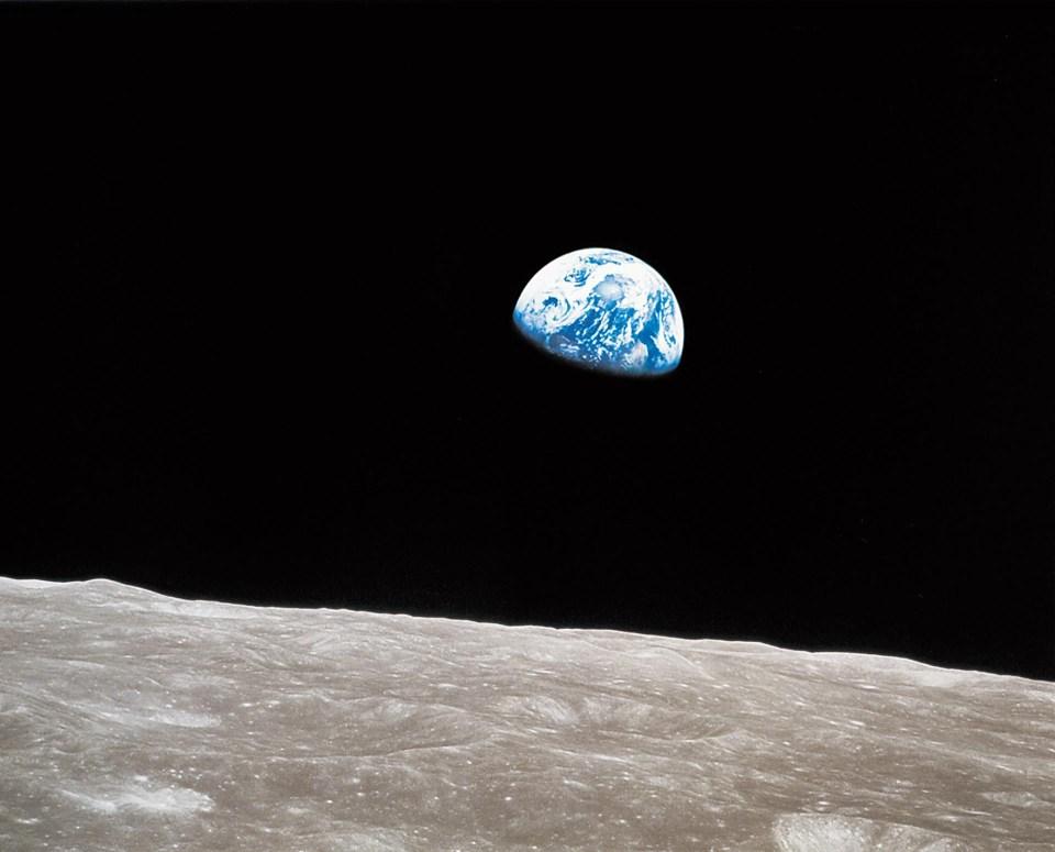 """""""Salida de la Tierra"""" (William Anders, NASA, 1968)"""