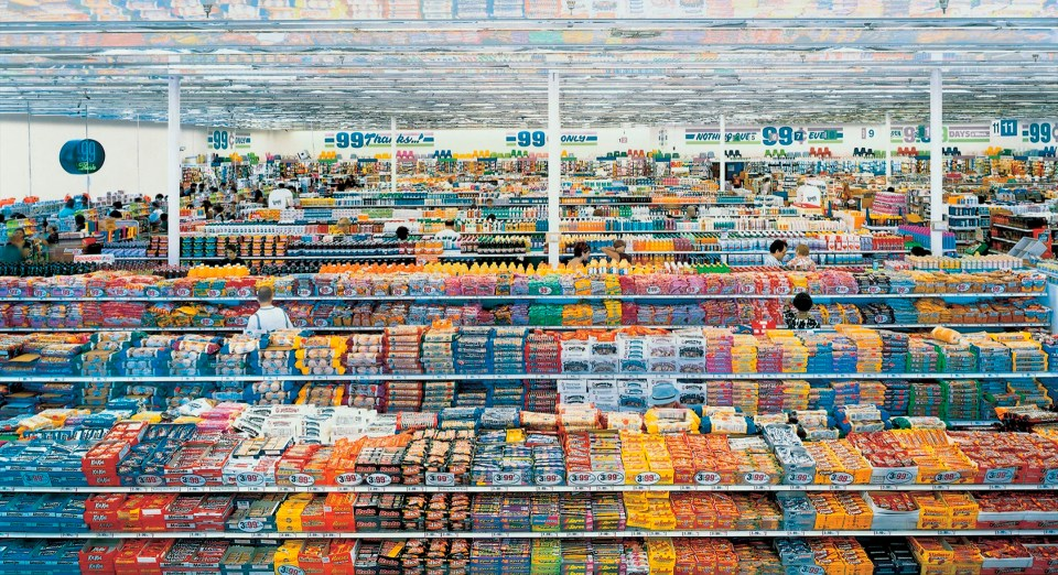 """""""99 centavos"""" (Andreas Gursky, Los Angeles, 1999)"""
