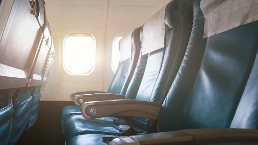 La nueva ley hará que el gobierno de los EEUU regule el tamaño del espacio entre asientos. (iStock)