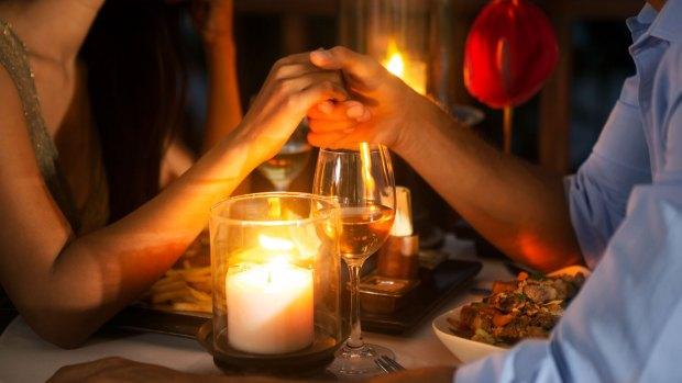 Cena romántica, el regalo preferido por los argentinos y las argentinas