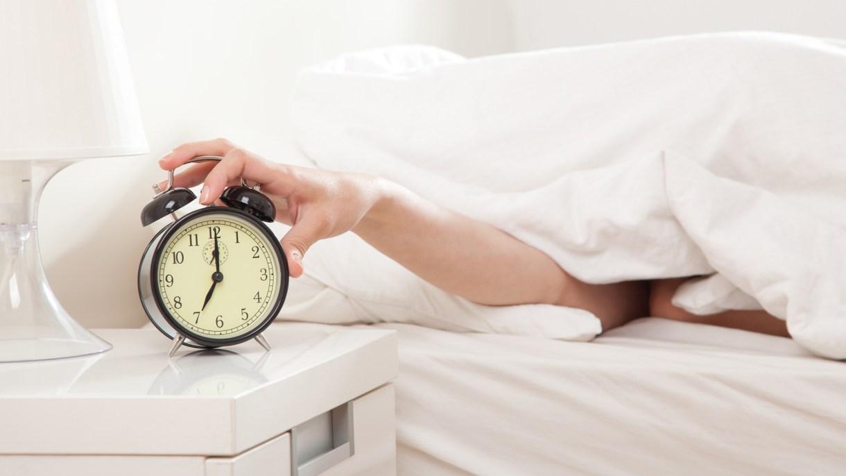 Son muchos los que despiertan y sienten que no descansaron (iStock Images)