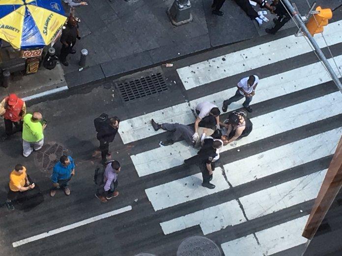 Un herido en la calle 42 y al avenida 7, a metros de Times Square.