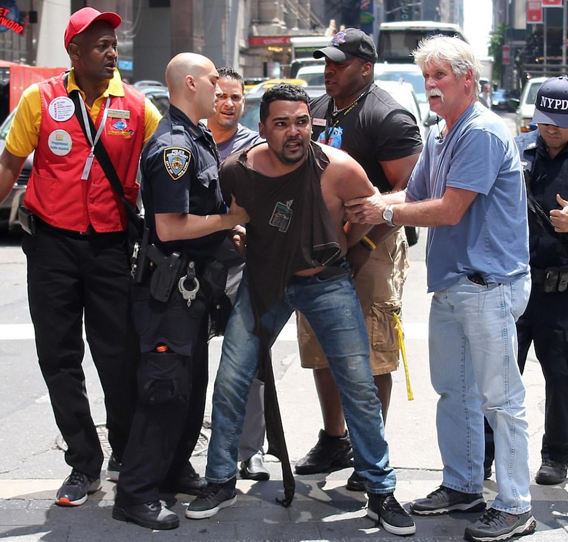 El conductor del automóvil fue identificado como Richard Rojas, un ex militar con antecedentes penales