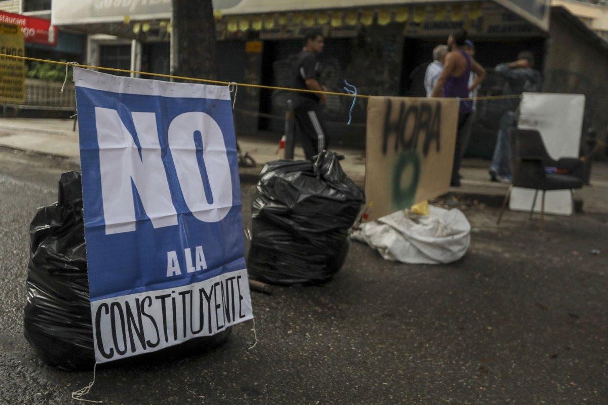 Los venezolanos protestan contra la Constituyente (EFE)
