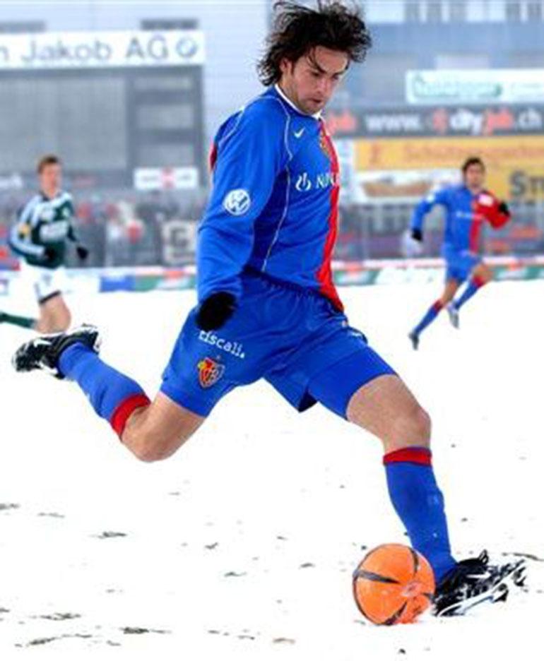 El delantero jugó en el Basel de Suiza
