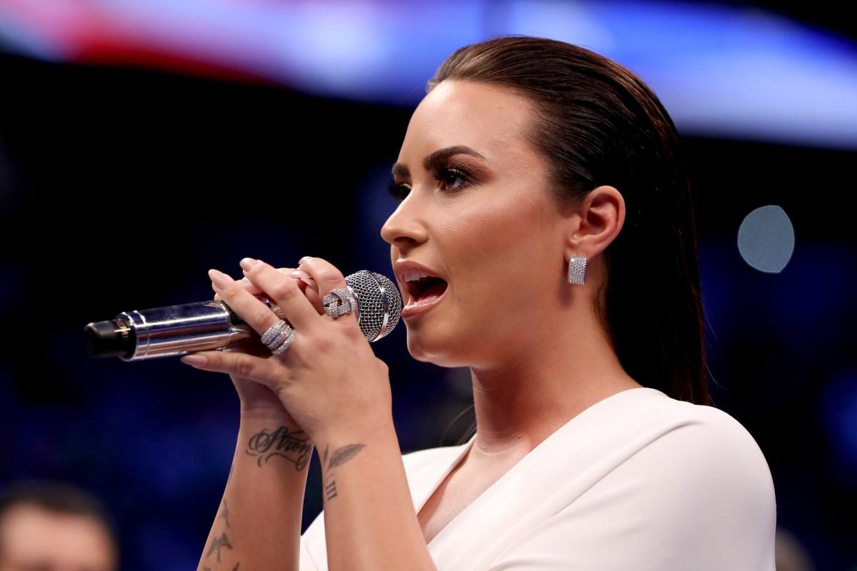 Demi Lovato cantó el himno estadounidense