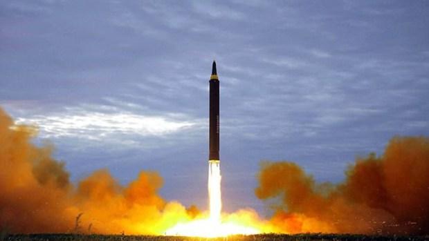 Corea del Norte también aumentó la velocidad en el desarrollo de misiles balísticos mediante los cuales podría lanzar sus armas nucleares (NA)