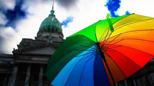 El matrimonio igualitario fue aprobado durante la madrugada del 15 de julio del 2010