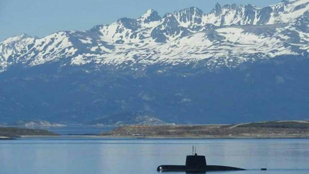 Siete buques y dos minisubmarinos buscan al ARA San Juan