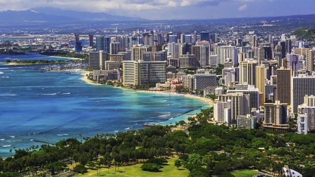 Honololu, la capital de Hawaii. Sus habitantes deberán prepararse para un posible ataque nuclear de Corea del Norte (Getty)